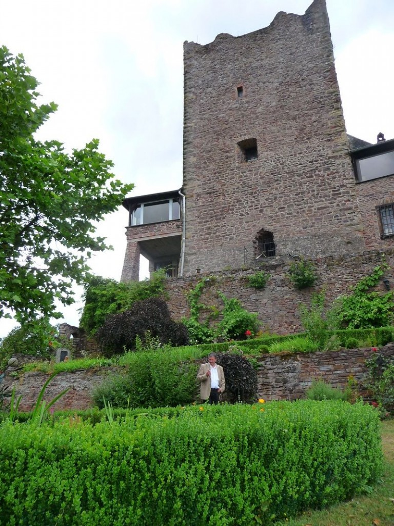 Mosel, Alf, Burg Arras, Bergfried