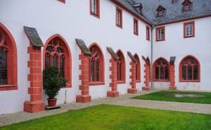 Der Innenhof des Cusanusstifts.