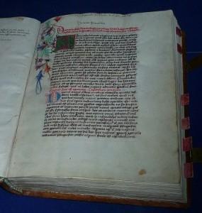 Cusanus Werk De docta ignorantia, geschrieben in seiner schönen Handschrift.