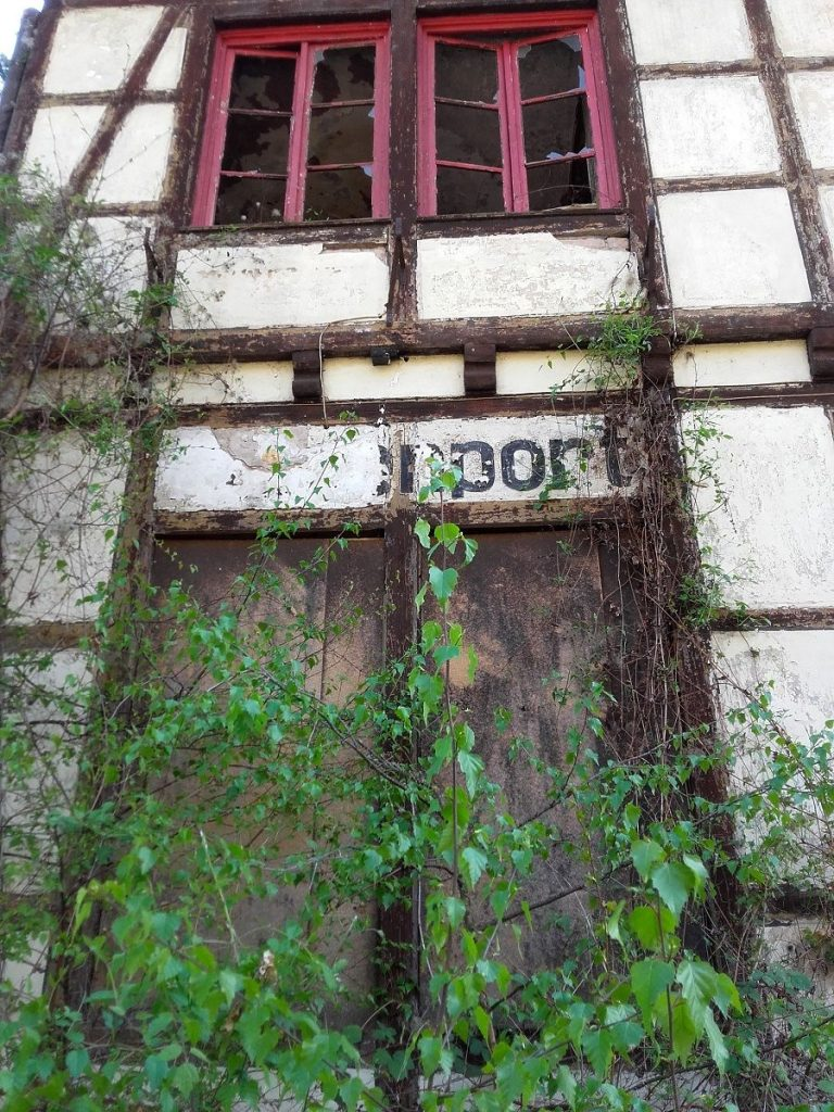 Verlassener Ort, Bahnhof Hatzenport