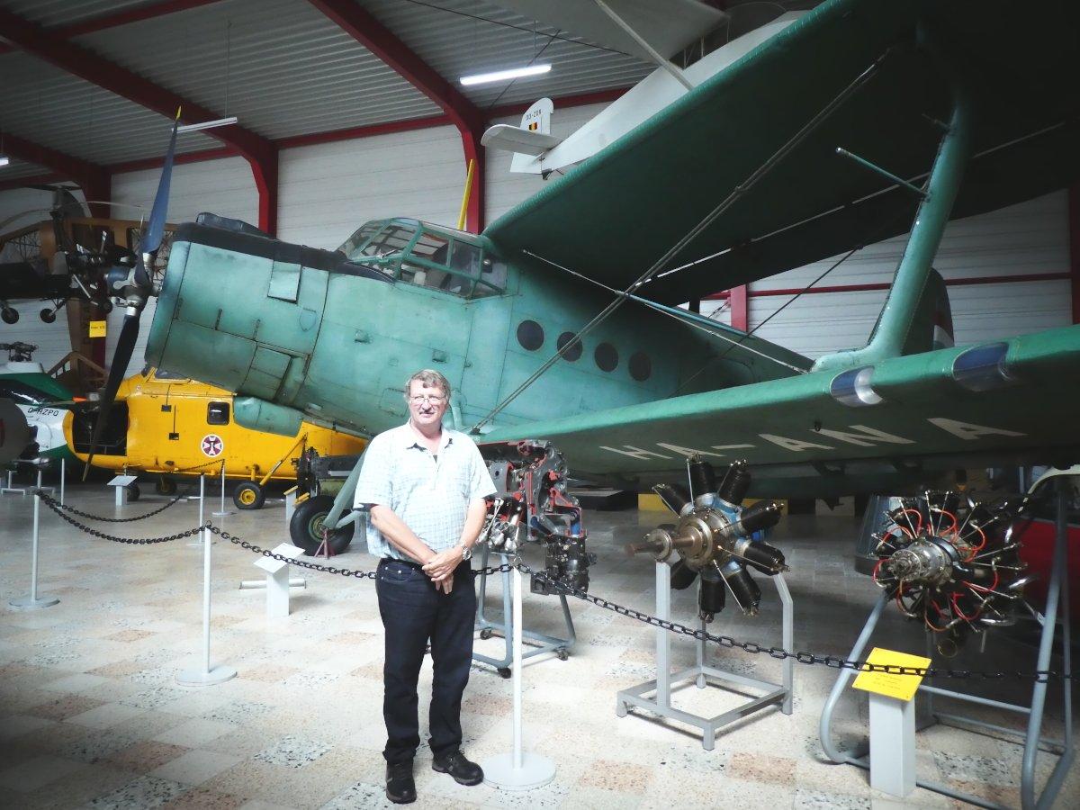 Antonov, Flugausstellung, P. Junior