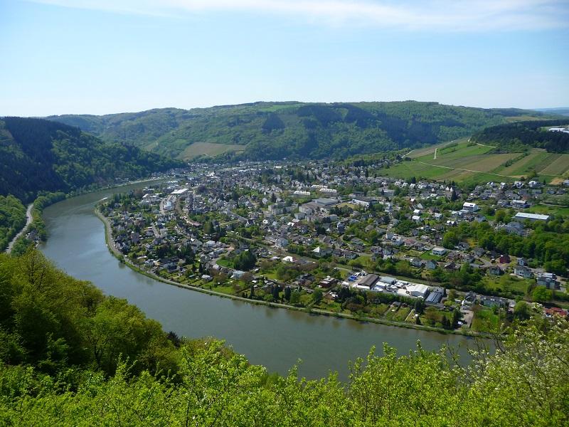 Aussicht über Traben-Trarbach vom Winzerdorf Starkenburg aus.
