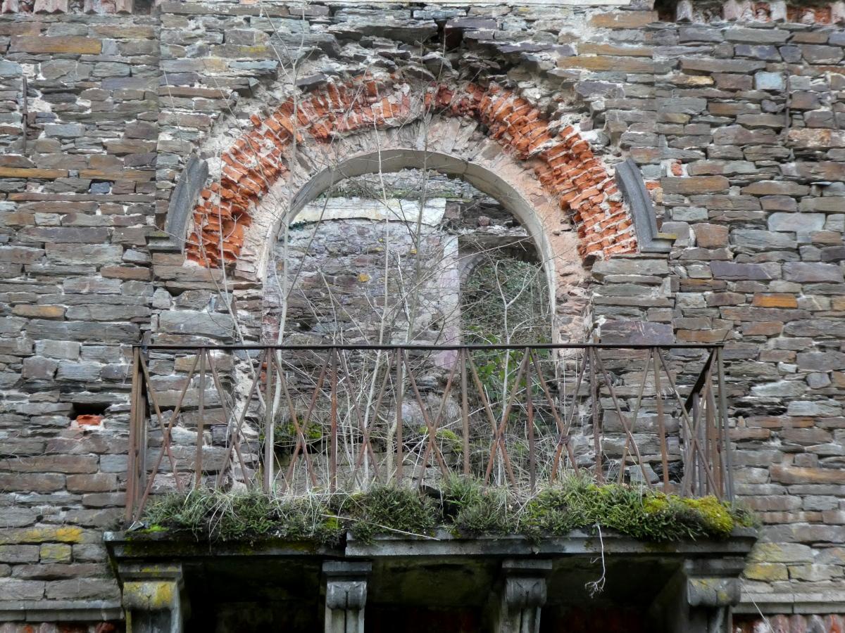 Ruine, Mesenich, Balkon, lost place