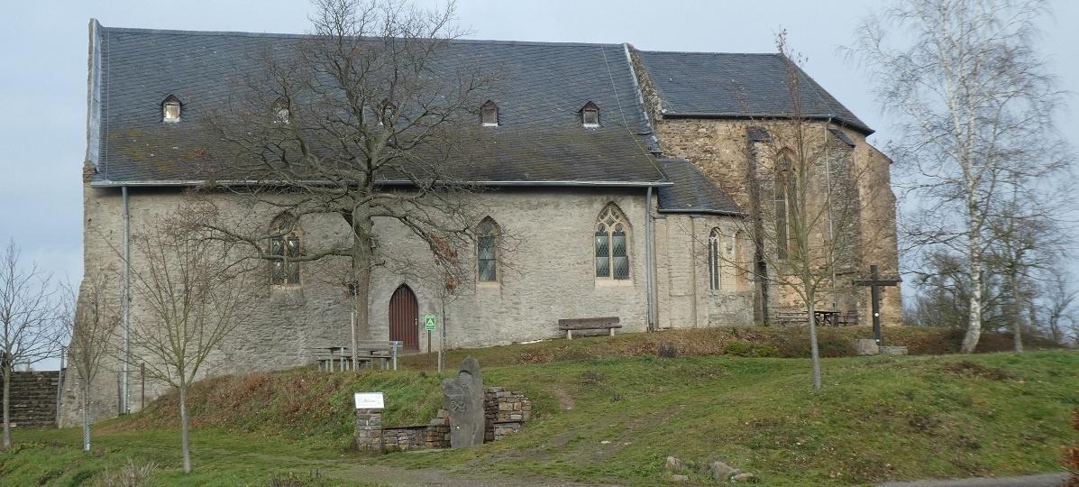 Bleidenberg: Mammuts, Aussicht und eine rege besuchte Kapelle