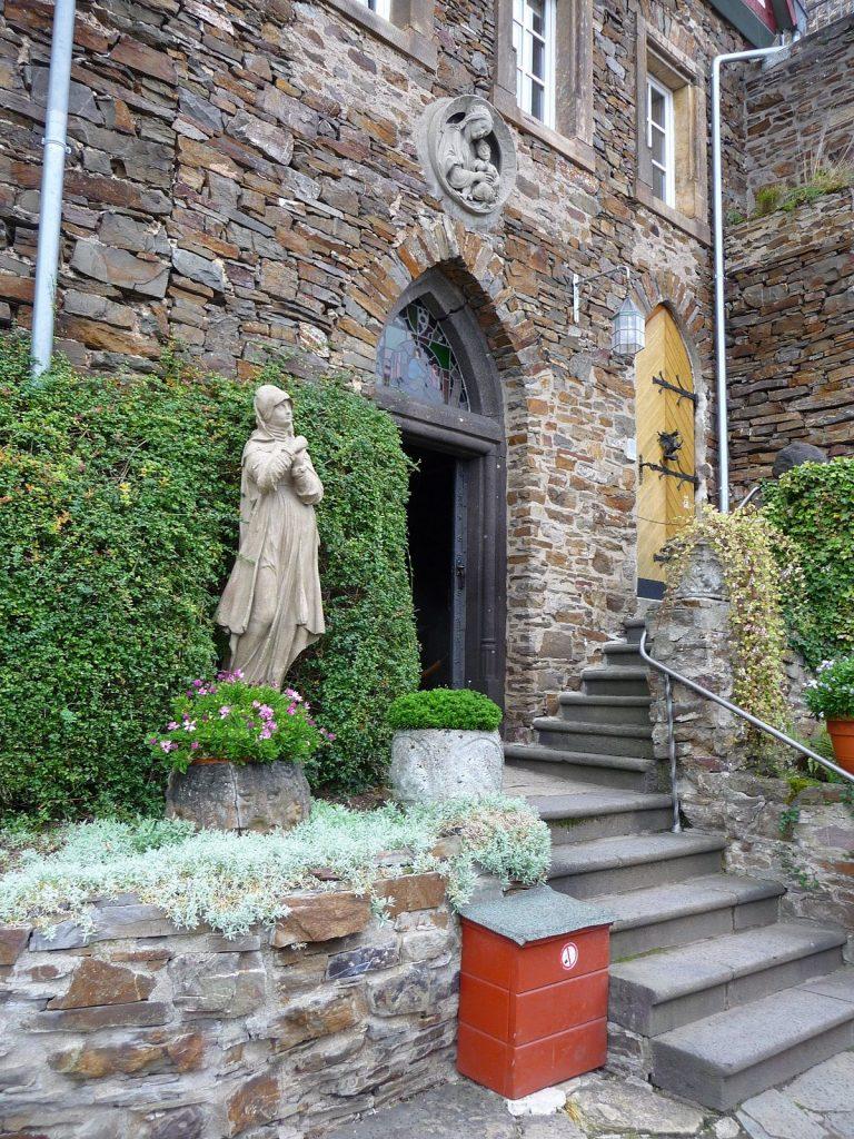 Burg Thurant, Kapelle, Statue