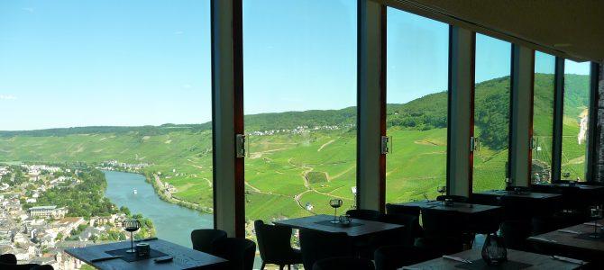 Burg Landshut: Restaurant mit grandioser Aussicht