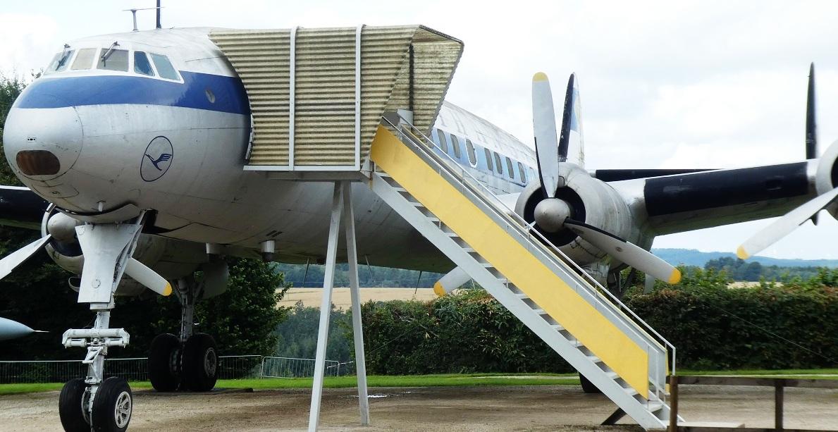 Flugausstellung P. Junior: Kaffeeklatsch in der Concorde