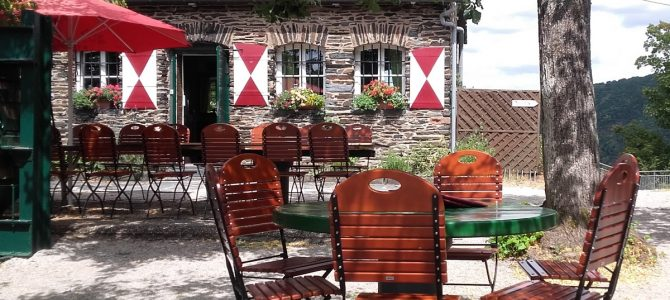 Grevenburg Traben-Trarbach: Burgschenke mit Superausblick