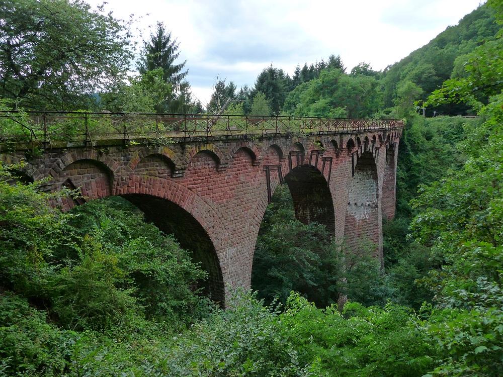 Grünewald-Viadukt, Plein, Maare-Mosel-Radweg.