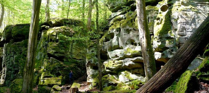 Teufelsschlucht in der Eifel: Wandern im Zauberwald