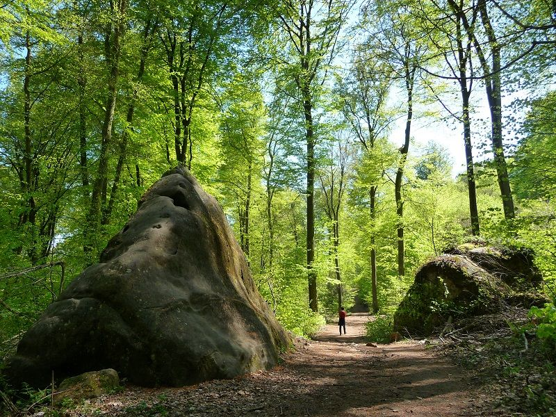 Gigantische Steine in der Teufelsschlucht.