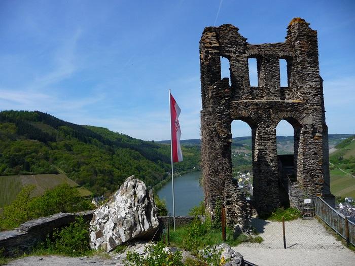 Die Ruine der Grevenburg über Traben-Trarbach.