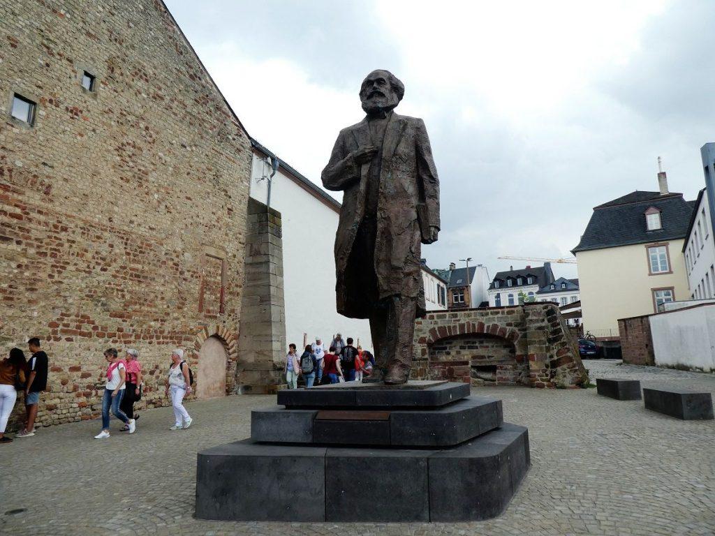 Trier, Karl Marx, Statur