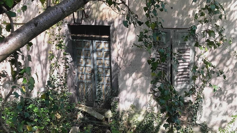Haustür Burg Weckbecker, verlassene Orte, Mosel